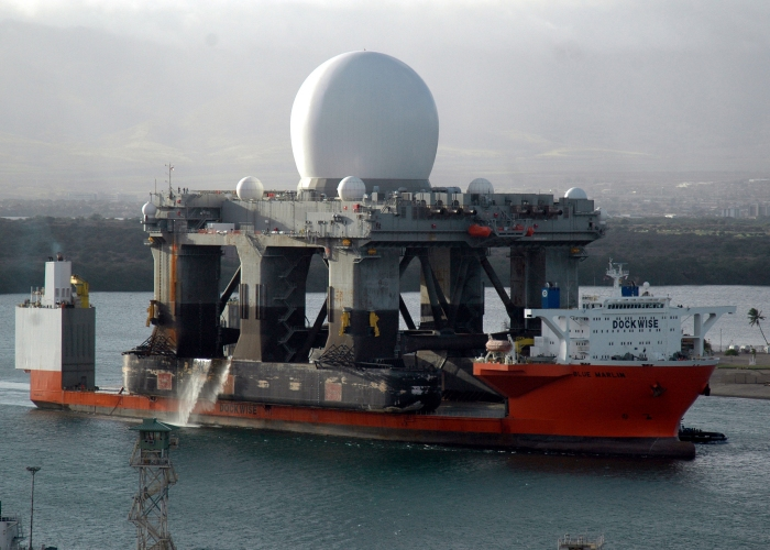 Blue_Marlin_transporting_sea-based_X-band_radar