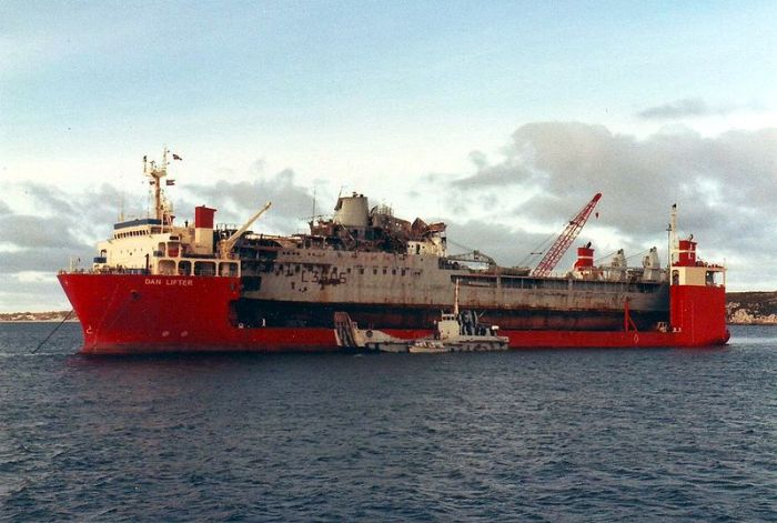 RFA_Sir_Tristram_&_MV_Dan_Lifter_late_1982