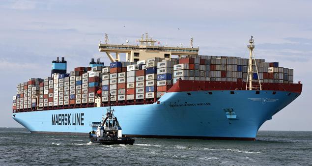 Buques portacontenedores el triple e maersk mc kinney - Contenedores de barco ...