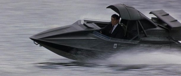Q-Boat-James-Bond2