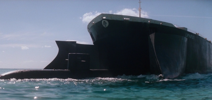 The_Spy_Who_Loved_Me_-_Liparus_engulfs_a_Submarine