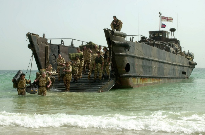 Royal_Marines,_landing_craft_utility,_26Feb2003