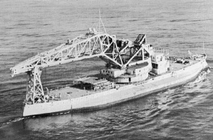 USS_Kearsarge_as_crane_ship_AB-1
