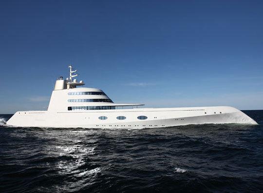 7-31-starck-yacht-1_rect540