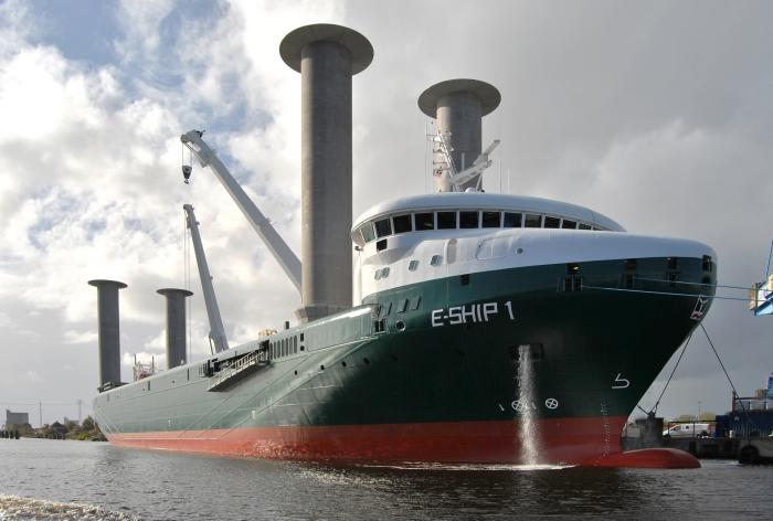 Cargo_E-Ship_1,_Emder_Hafen,_CN-02