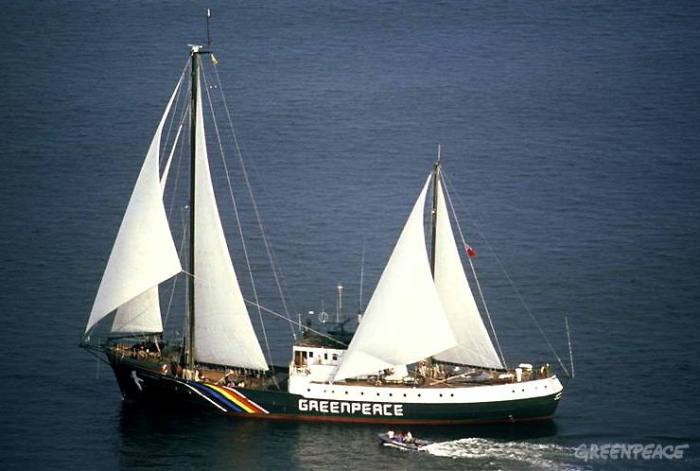 Rainbow Warrior under full sail after being re-fitted in Jacksonville, USA.
