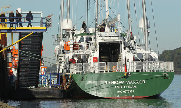 Greenpeace+Christen+Rainbow+Warrior+III+lTFb6Kwh7V3l
