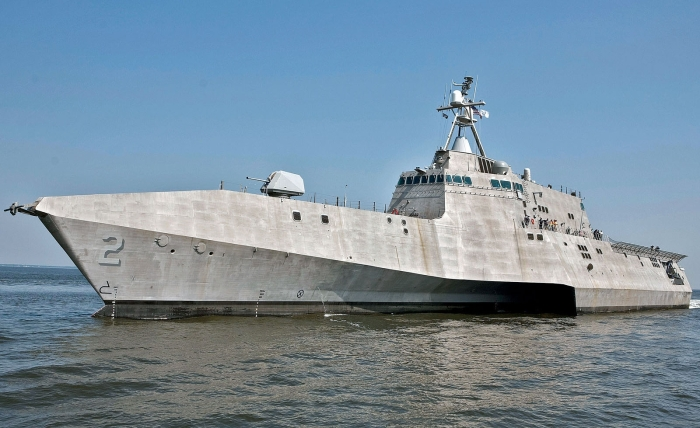 1002dp_01+uss_independence_lcs_2+left_side_angle