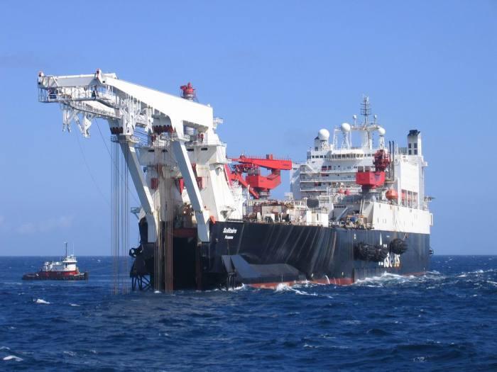 Allseas'_Solitaire,_het_grootste_pijplegschip_ter_wereld