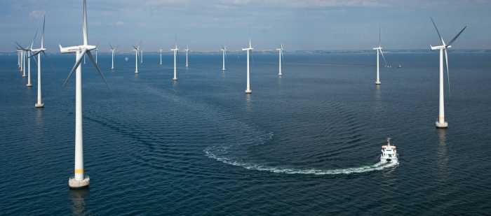 Offshore-Windpark Lillgrund im Öresund zwischen Malmö und Kopenhagen / Offshore wind farm Lillgrund in the Øresund between Malmö and Copenhagen