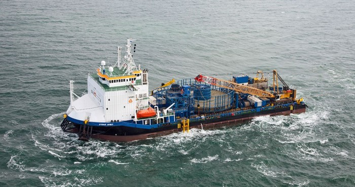 Stemat-Spirit-Installs-Third-Export-Cable-at-London-Array-UK