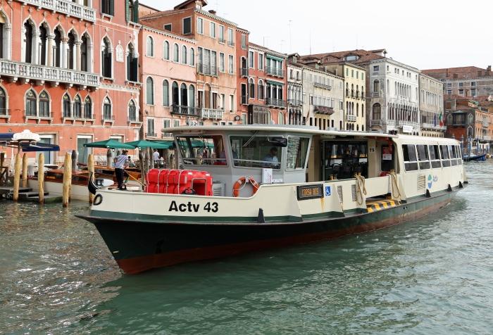 Venezia_Vaporetto_ACTV43_R01