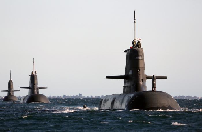 Submarinos Collins en formacion