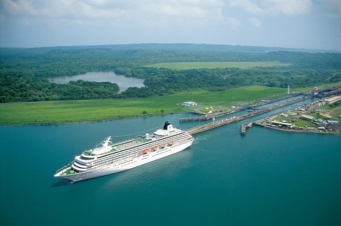 Lago-Gatún-barco