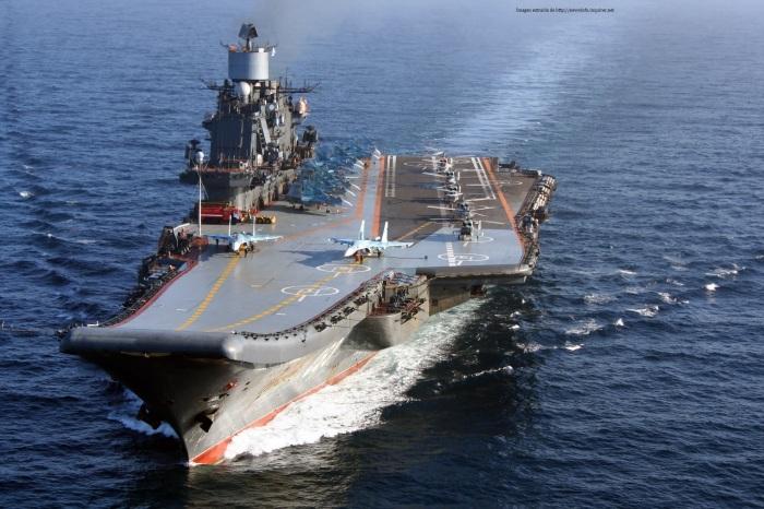 Portaaviones Kuznetsov en navegacion