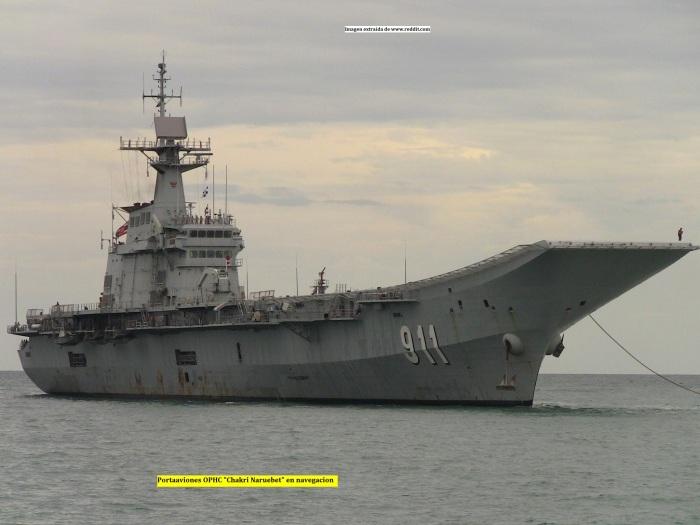 Portaaviones Chakri Naruebet en navegacion