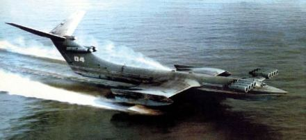 Ekranoplano-mostro-del-mar-caspio-1